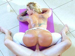 Coroa cavala Ryan Conner em sexo anal