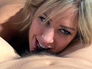 Porno Lésbico Dani Daniels e Capri Cavanni Transando