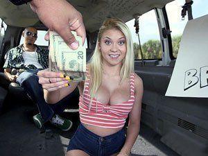 Marsha May Ganhou Dinheiro Para Mostrar Peitinho